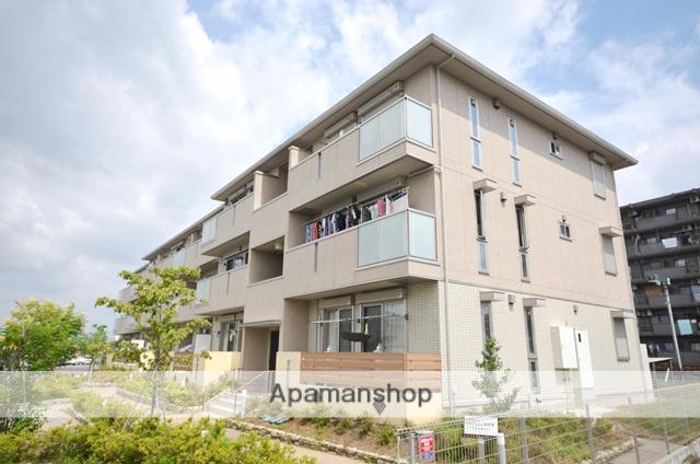 京都府宇治市、木幡駅徒歩13分の築3年 3階建の賃貸アパート