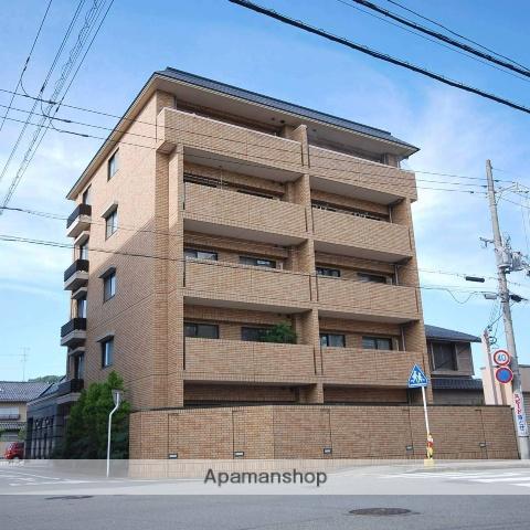 京都府京都市北区、松ヶ崎駅徒歩17分の築13年 5階建の賃貸マンション