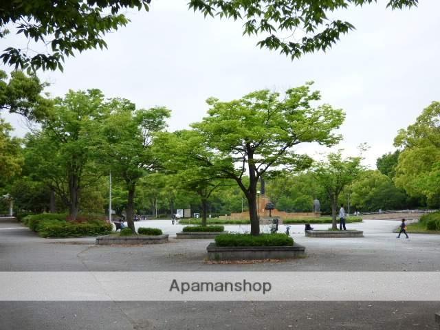 緑地公園 400m