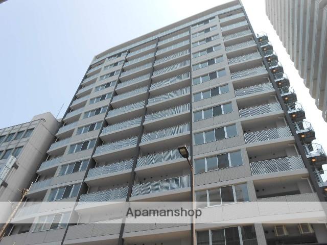 大阪府大阪市北区、西梅田駅徒歩4分の築4年 15階建の賃貸マンション