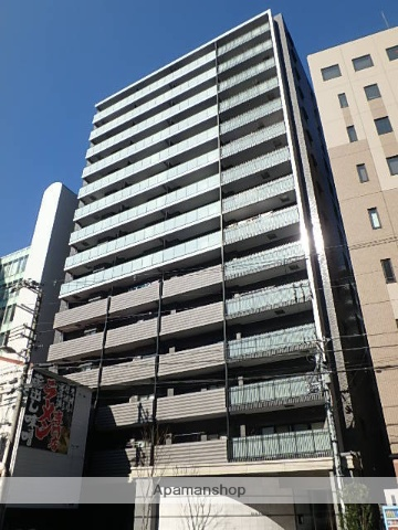 大阪府大阪市北区、梅田駅徒歩5分の築2年 15階建の賃貸マンション