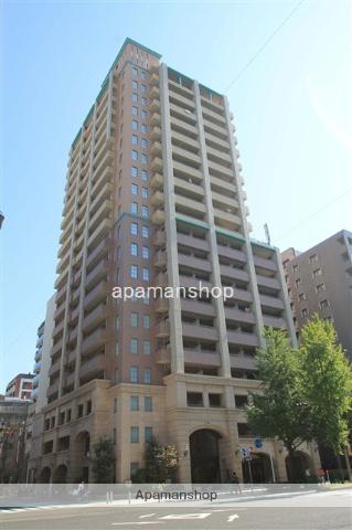 大阪府大阪市西区、心斎橋駅徒歩10分の築13年 20階建の賃貸マンション