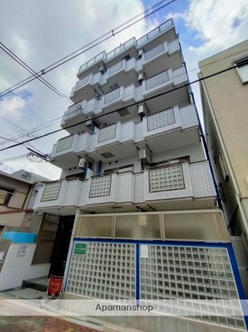 大阪府大阪市北区、梅田駅徒歩30分の築26年 6階建の賃貸マンション