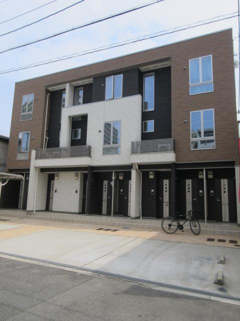 大阪府大阪市城東区、鴫野駅徒歩18分の築3年 3階建の賃貸アパート