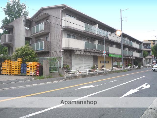 大阪府吹田市、山田駅徒歩25分の築28年 3階建の賃貸マンション