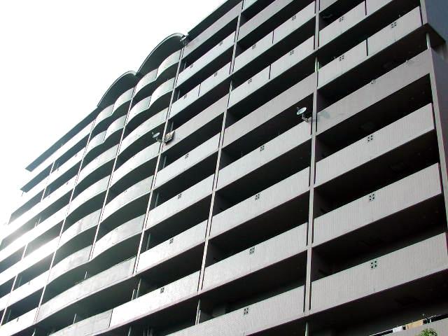 大阪府大阪市北区、福島駅徒歩8分の築20年 13階建の賃貸マンション