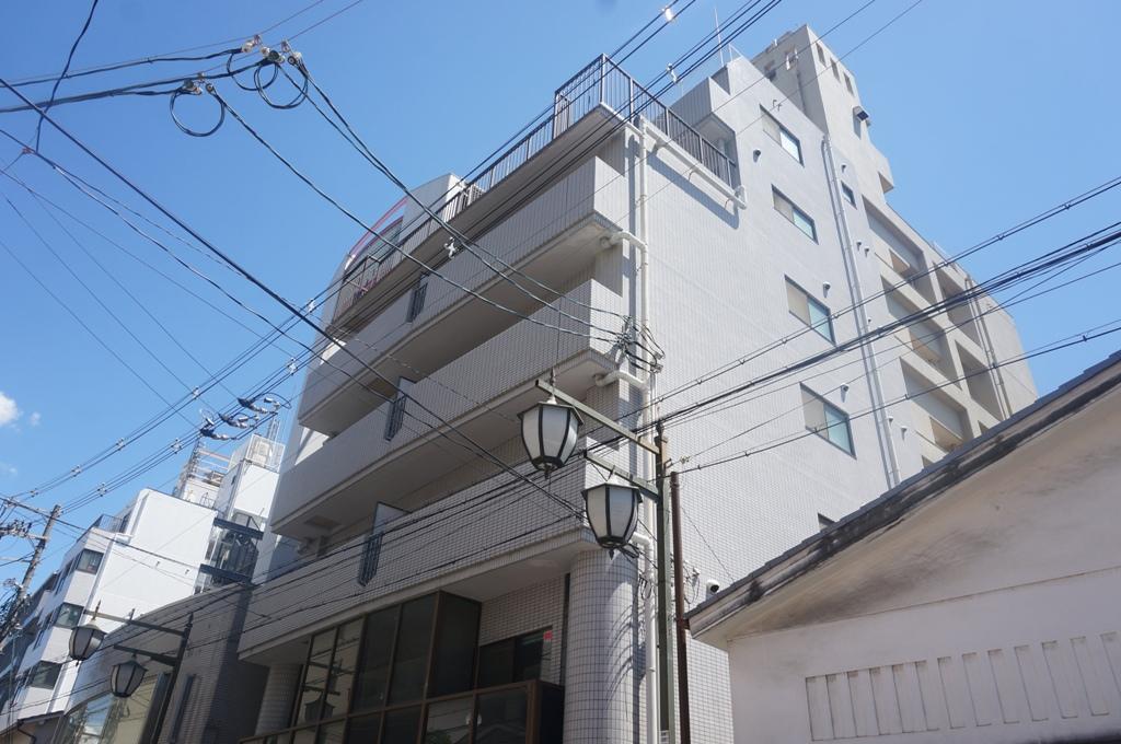 大阪府高槻市、高槻駅徒歩2分の築27年 7階建の賃貸マンション