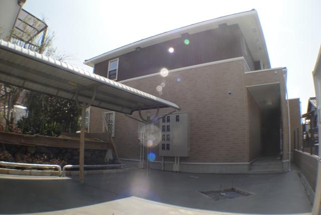 大阪府東大阪市、枚岡駅徒歩13分の築3年 2階建の賃貸アパート