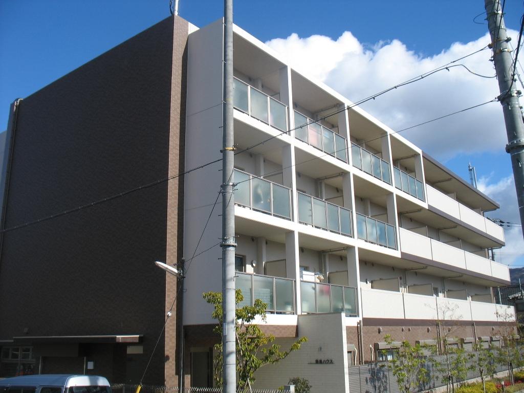 大阪府八尾市、近鉄八尾駅徒歩26分の築9年 4階建の賃貸マンション