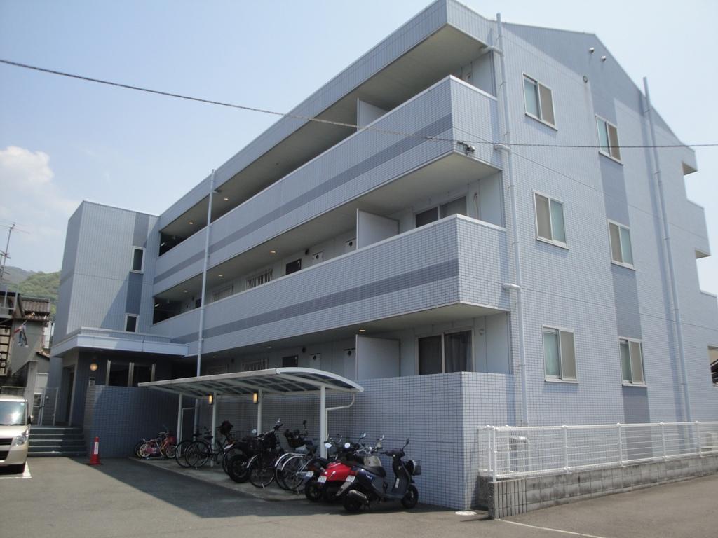 大阪府東大阪市、枚岡駅徒歩11分の築14年 3階建の賃貸マンション