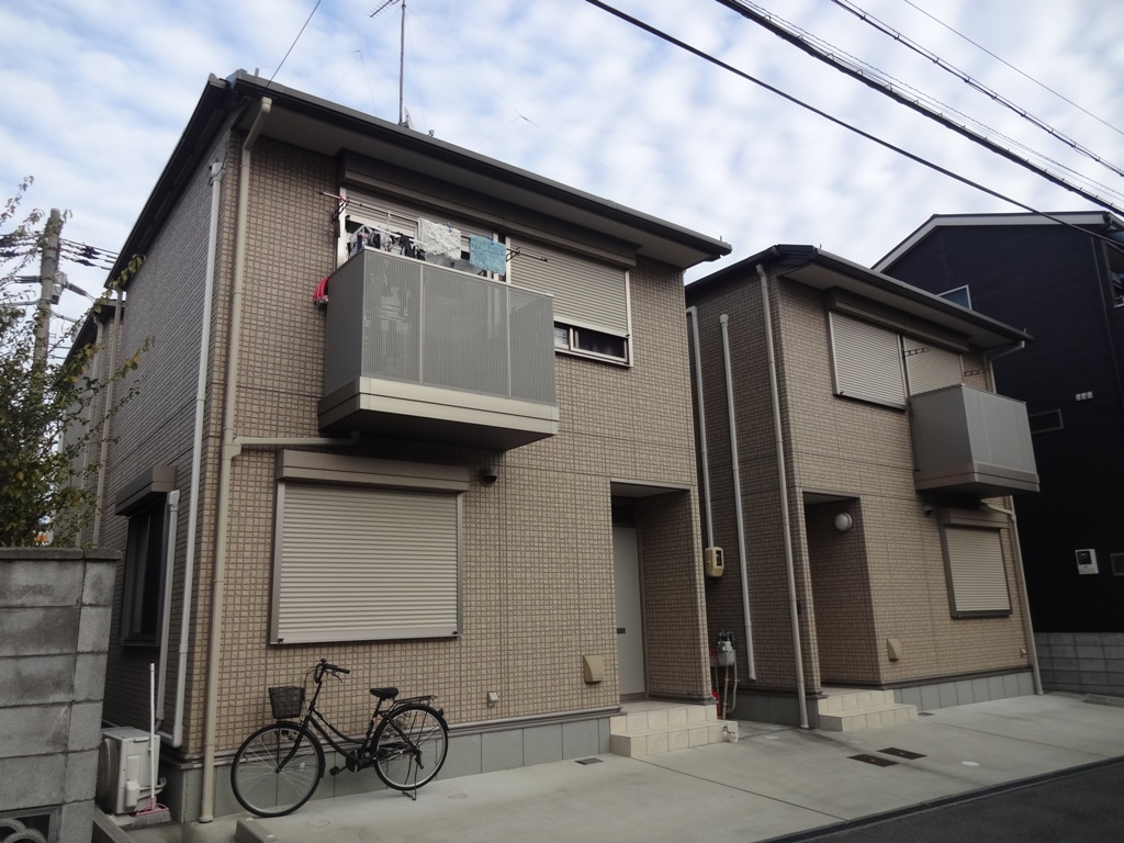 大阪府東大阪市、JR長瀬駅徒歩15分の築4年 2階建の賃貸一戸建て