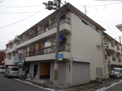大阪府東大阪市、JR俊徳道駅徒歩6分の築44年 3階建の賃貸マンション