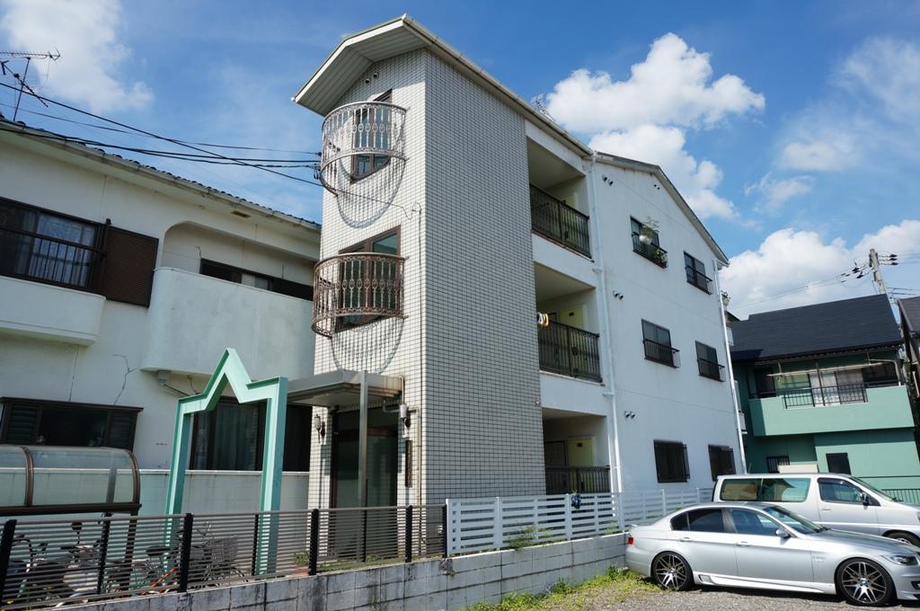 大阪府八尾市、志紀駅徒歩14分の築28年 3階建の賃貸マンション