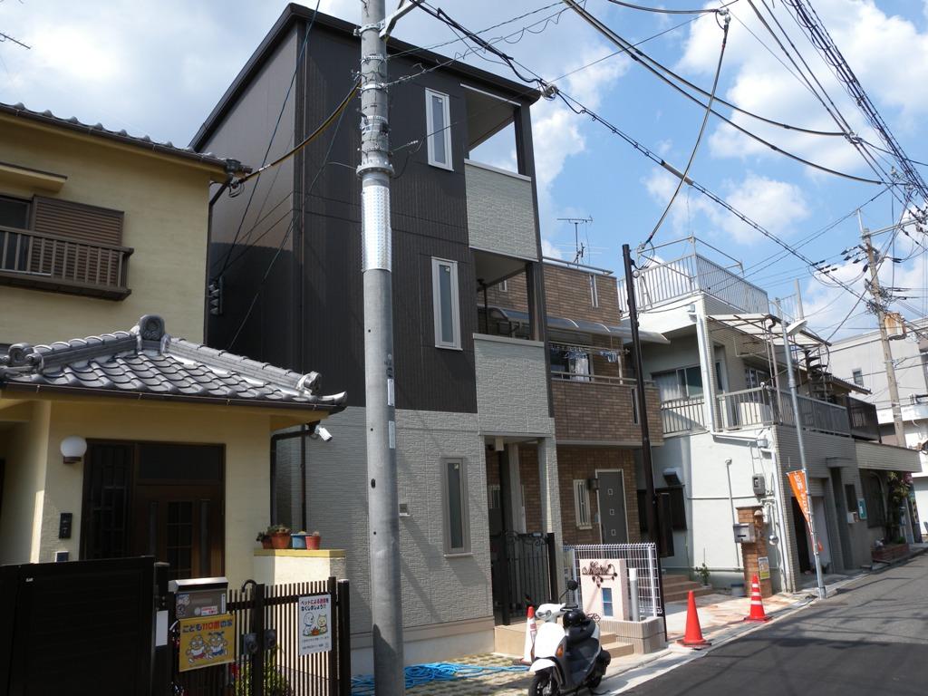 大阪府八尾市、八尾駅徒歩2分の新築 3階建の賃貸アパート