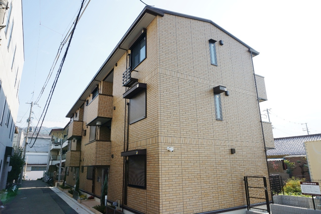 大阪府八尾市、志紀駅徒歩19分の新築 3階建の賃貸アパート