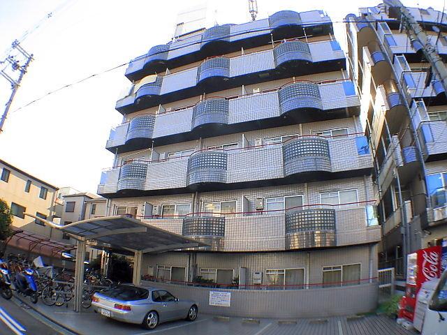 大阪府東大阪市、高井田中央駅徒歩8分の築26年 6階建の賃貸マンション