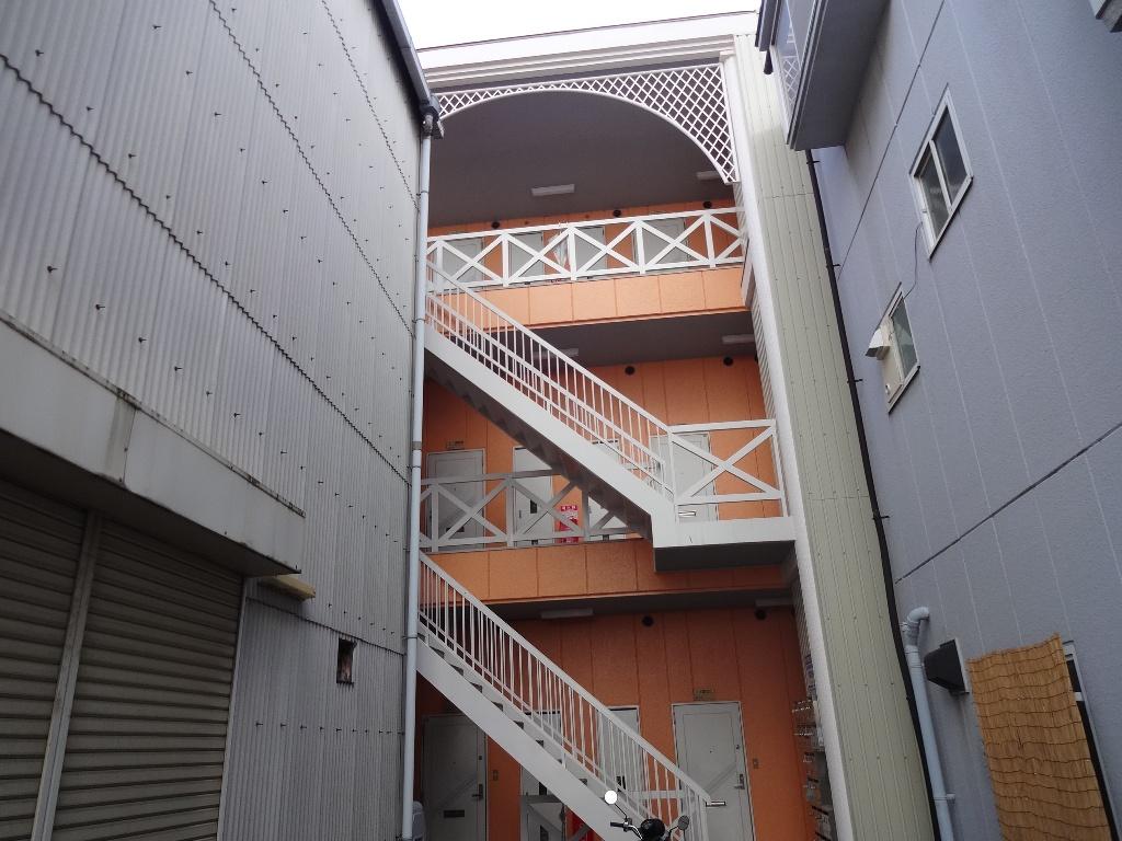 大阪府東大阪市、加美駅徒歩13分の築30年 3階建の賃貸マンション
