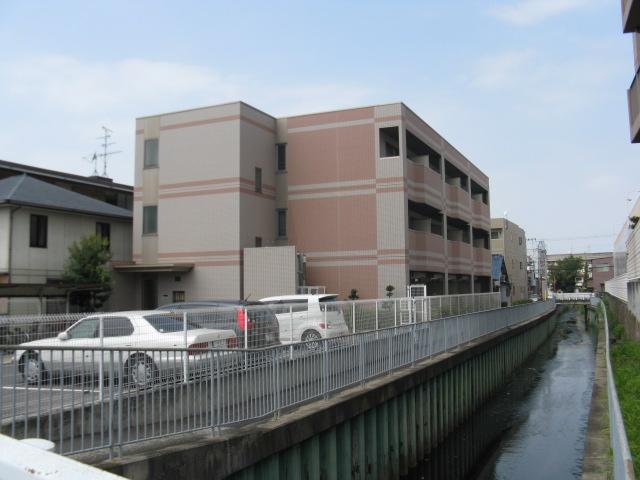大阪府東大阪市、額田駅徒歩18分の築15年 3階建の賃貸マンション
