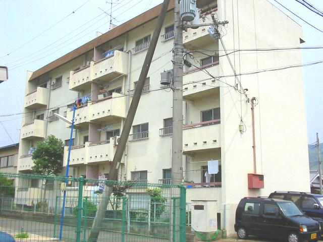 大阪府三島郡島本町、山崎駅徒歩16分の築46年 4階建の賃貸マンション