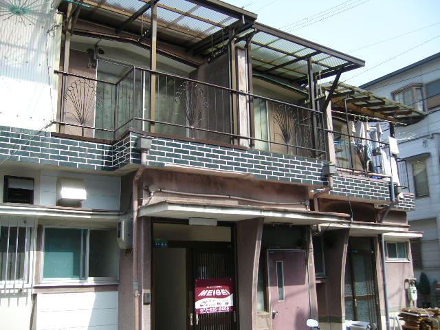 大阪府寝屋川市、香里園駅徒歩17分の築36年 2階建の賃貸アパート