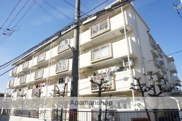 大阪府寝屋川市、香里園駅徒歩10分の築32年 4階建の賃貸マンション