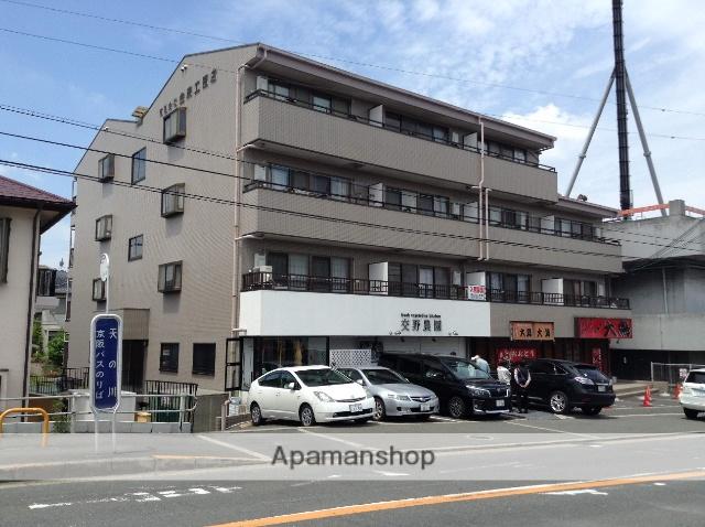 大阪府交野市、河内磐船駅徒歩17分の築18年 5階建の賃貸マンション