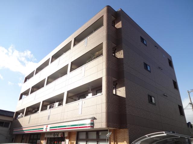 大阪府交野市、郡津駅徒歩16分の築3年 4階建の賃貸マンション