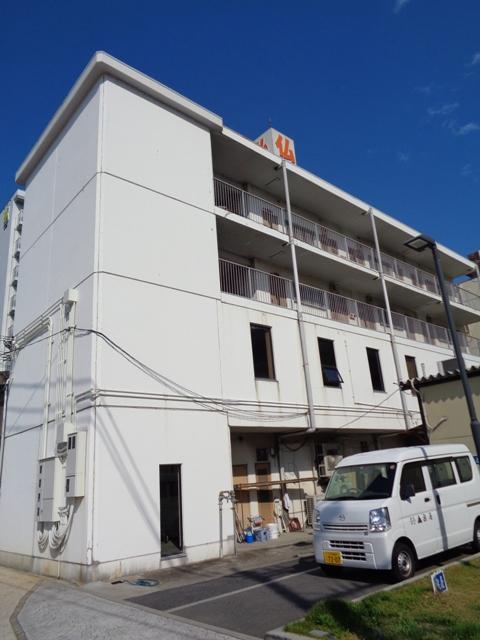 大阪府枚方市、枚方市駅徒歩10分の築30年 4階建の賃貸マンション