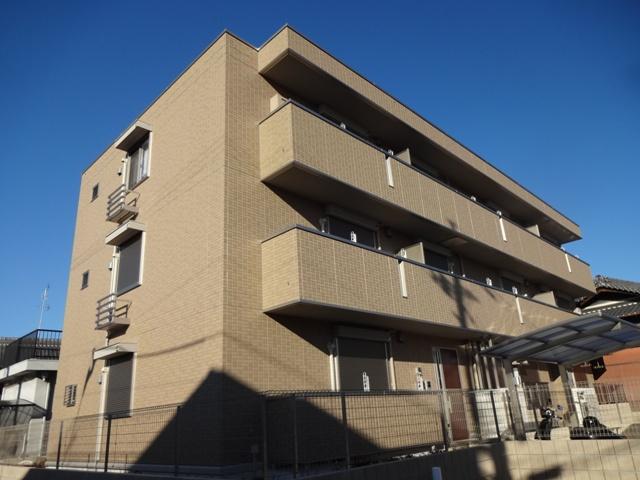 大阪府交野市、津田駅徒歩11分の新築 3階建の賃貸アパート