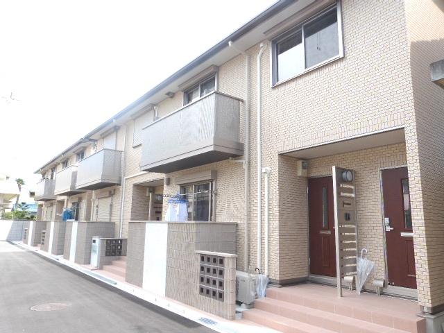 大阪府東大阪市、鴻池新田駅徒歩16分の築3年 2階建の賃貸アパート