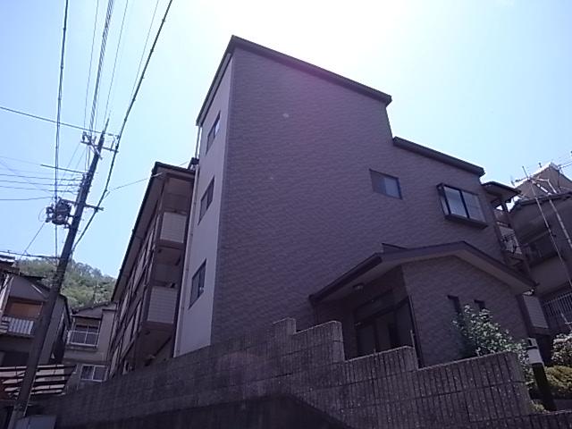 大阪府大東市、忍ケ丘駅徒歩33分の築19年 3階建の賃貸マンション