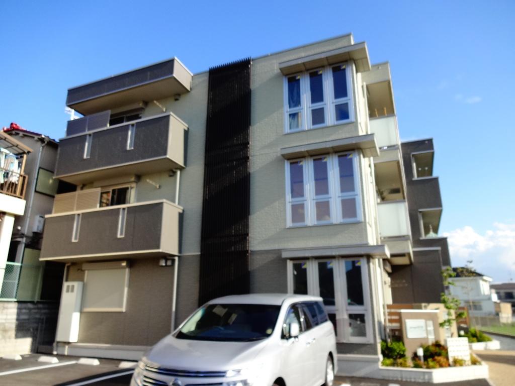 大阪府東大阪市、額田駅徒歩21分の築3年 3階建の賃貸マンション