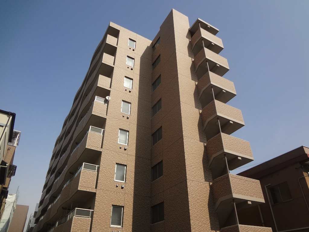 大阪府東大阪市、JR河内永和駅徒歩9分の築4年 8階建の賃貸マンション