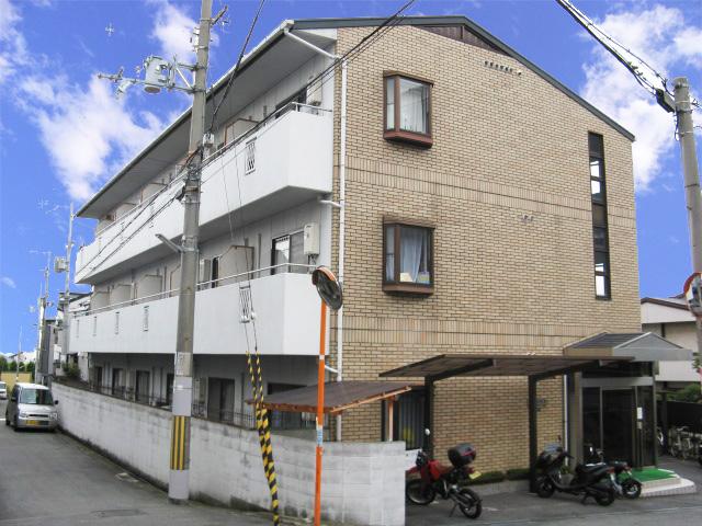 大阪府東大阪市、額田駅徒歩17分の築26年 3階建の賃貸マンション