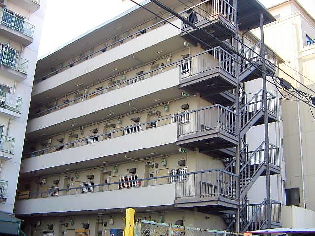 大阪府東大阪市、河内永和駅徒歩23分の築38年 5階建の賃貸マンション