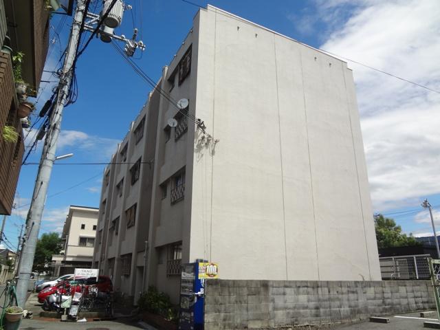 大阪府東大阪市、河内花園駅徒歩10分の築47年 4階建の賃貸マンション