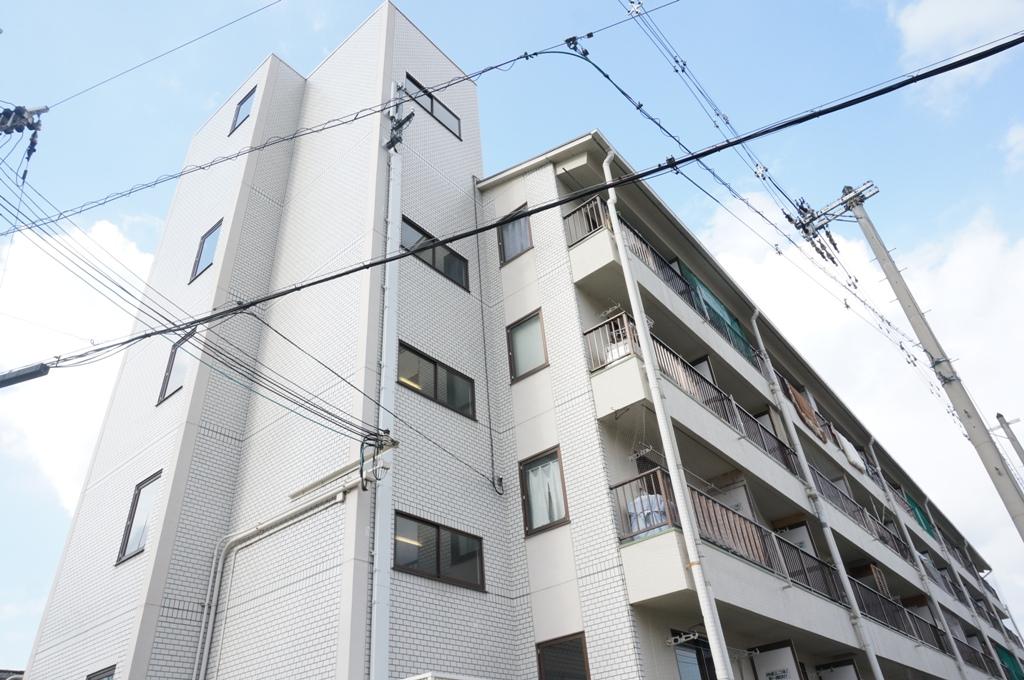 大阪府東大阪市、瓢箪山駅徒歩13分の築30年 5階建の賃貸マンション