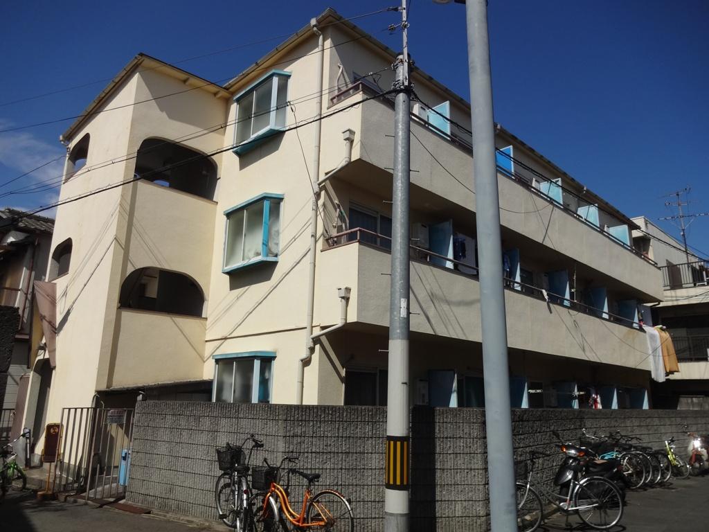 大阪府東大阪市、JR長瀬駅徒歩11分の築28年 3階建の賃貸マンション