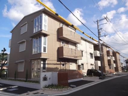 大阪府八尾市、河内山本駅徒歩22分の築1年 3階建の賃貸アパート