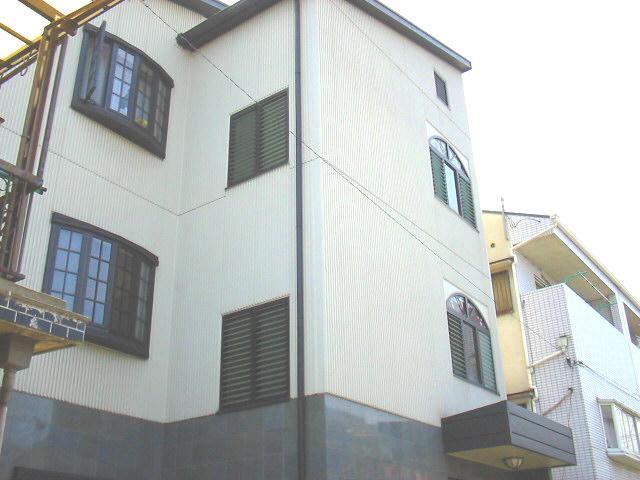 大阪府東大阪市、長瀬駅徒歩17分の築17年 3階建の賃貸マンション