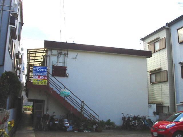大阪府八尾市、高安駅徒歩14分の築40年 2階建の賃貸マンション