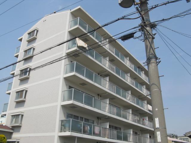 大阪府八尾市、柏原駅徒歩32分の築22年 6階建の賃貸マンション