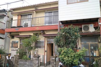 大阪府大東市、四条畷駅徒歩23分の築40年 2階建の賃貸一戸建て