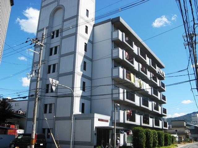 大阪府東大阪市、荒本駅徒歩30分の築28年 6階建の賃貸マンション
