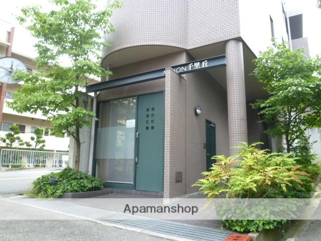 大阪府吹田市、千里丘駅徒歩9分の築19年 3階建の賃貸マンション