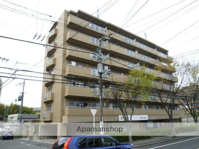 大阪府吹田市、千里丘駅徒歩20分の築21年 7階建の賃貸マンション