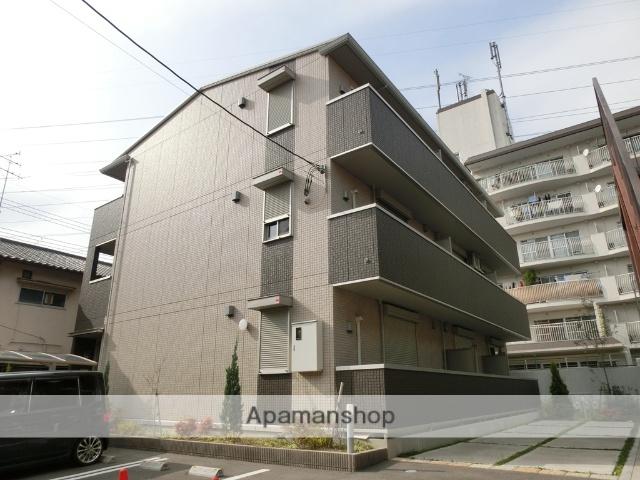 大阪府高槻市、摂津富田駅徒歩18分の築3年 3階建の賃貸アパート