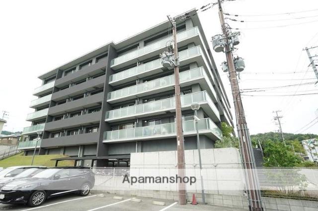 大阪府茨木市、彩都西駅徒歩9分の築7年 5階建の賃貸マンション