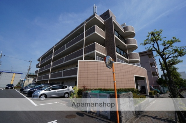 大阪府摂津市、正雀駅徒歩12分の築21年 4階建の賃貸マンション