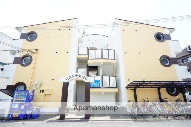 大阪府茨木市、千里丘駅徒歩8分の築26年 3階建の賃貸マンション